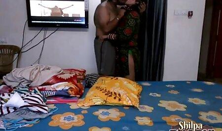 Allattamento al seno video porno streaming gratis e prendendo un grosso cazzo nella sua figa (btcp13690)